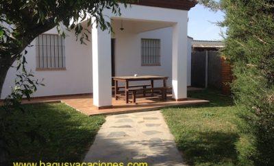 Casa Villa Juani, en zona tranquila a 550 m de la playa el palmar
