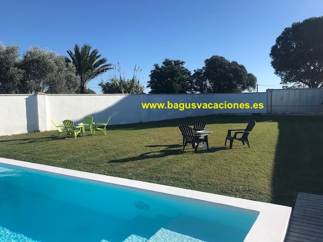 jardin y piscina compartida