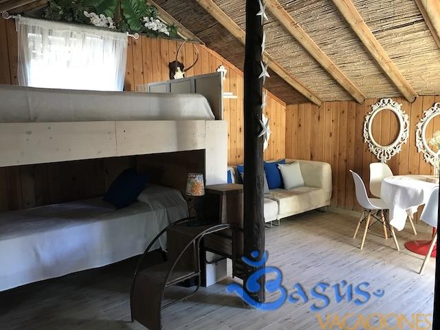 la choza en caños de meca, cerca de la playa, para 4 personas, 1 dormitorio