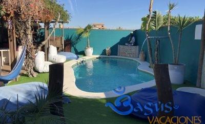 Casita Los Pareja Apartamento C, con patio privado y piscina compartida.