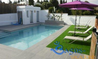 Casa Dehesilla, Casa Rural, zona muy tranquila con piscina compartida.