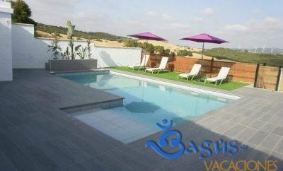 Casa Algarrobillos en Conil de la Frontera con piscina compartida.