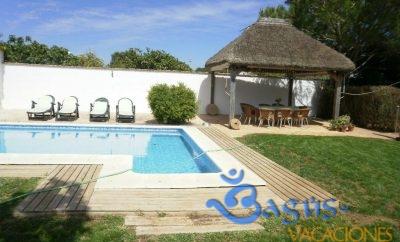 Chalet Rancapino muy amplio para 8 personas con piscina privada en Roche Viejo