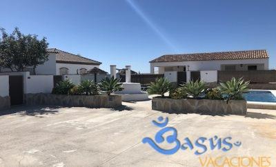 Apartamentos El Ciruelo casa 1 con piscina compartida, super acogedoras ideal para parejas.