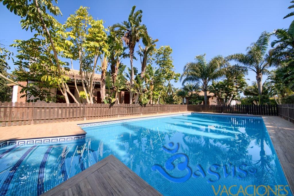 Apartamento planta baja Hacienda Roche Viejo piscina compartida