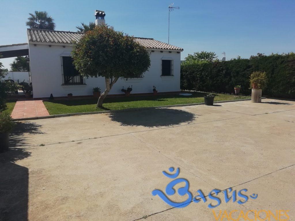 Chalet El Cortijo en Conil de la Frontera, piscina privada, para 6 personas.