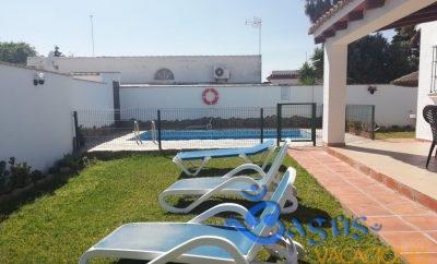 Chalet El Cortijo con piscina privada en Conil de la Frontera para 6 personas.
