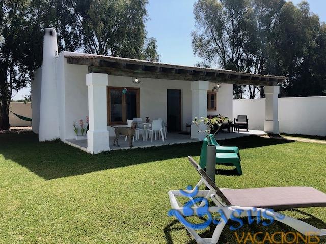 Casa Karma , nueva, recién reformada, 500m de la playa en el Palmar, 4 personas
