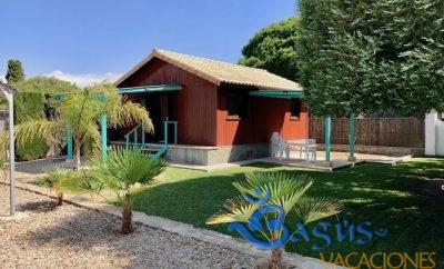 Casa Madera El Moral en el Palmar a 400m de la playa, en zona super tranquila para 4 personas.