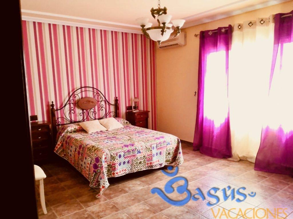 Villa Las Águilas, 4 dormitorios, piscina y pista de padel privada,