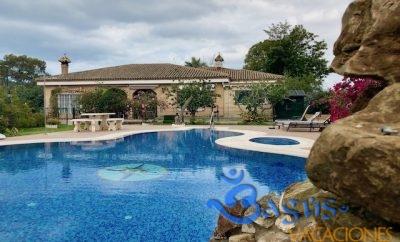 Villa Las Águilas 280 m2,  deluxe, con piscina y pista de Padel privada, para una vacaciones de sueño.