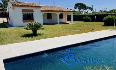 Villa Los Álamos, 3500m2 de parcela, 140 m2 de casa, en la Muela de Vejer con piscina privada en zona super tranquila.