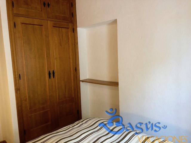 Casa Madroño 1 en zahora, de dos dormitorios, para hasta 5 personas, jardín privado