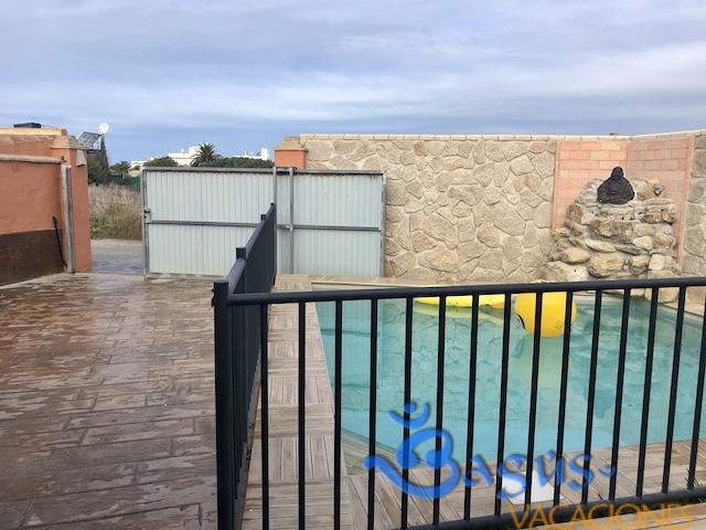 piscina climatizada y vallada