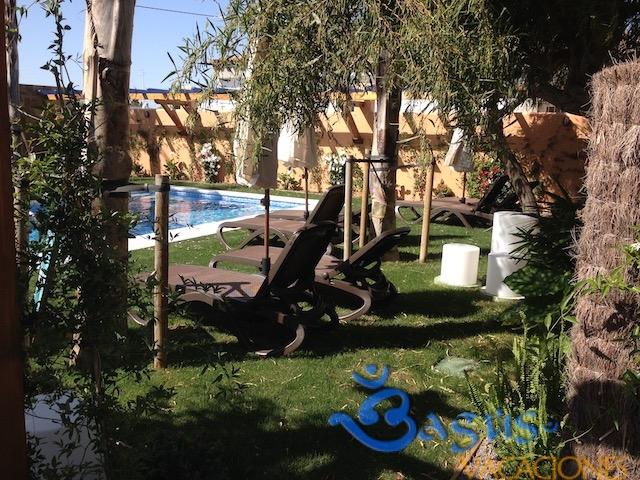 piscina para los clientes de Ragel costa en Palmar