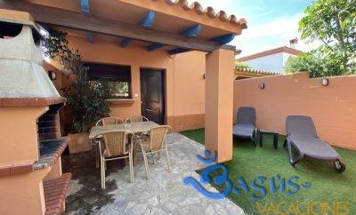 Casa Familiar porche y barbacoa privada en Playa el Palmar