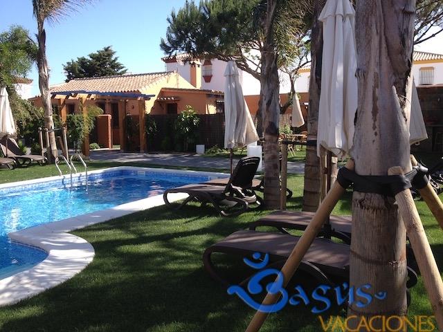 zona piscina en Ragel costa el Palmar