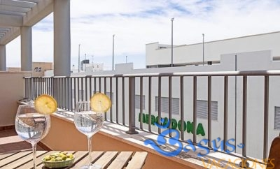 Ático Felixa, apartamento en Barbate con 2 terrazas.