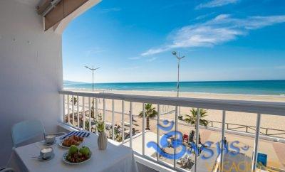 Apartamento Mar de Fondo en Barbate en primera linea de playa.