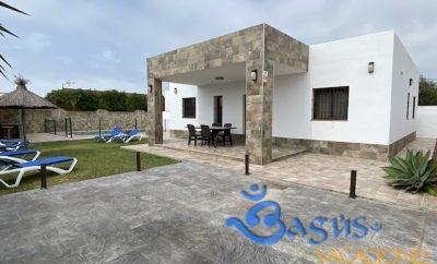 Chalet con piscina privada moderno y reformado en el Palmar